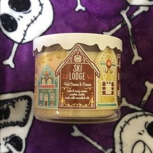 Bath and body works hot cocoas and cream candle